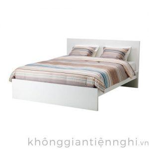 Giường ngủ phòng cưới hiện đại đẹp 012GN168-110